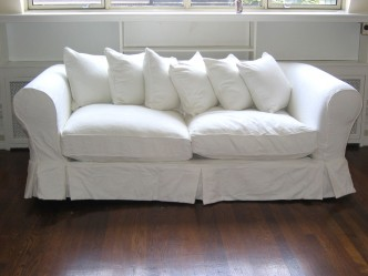 Keep-These-Tips-in-Mind-When-Buying-a-Sofa